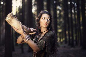 Фотографии фотосессия девушек в лесу на природе на закате летом идеи позы