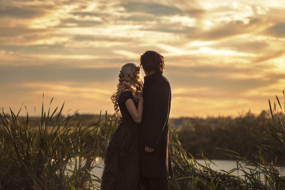 Фотография love story лав стори фотосессия пар на закате осенью в Москве по мотивам сонная лощина