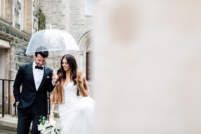 Свадебная атрибутика для фотосессии в дождь
