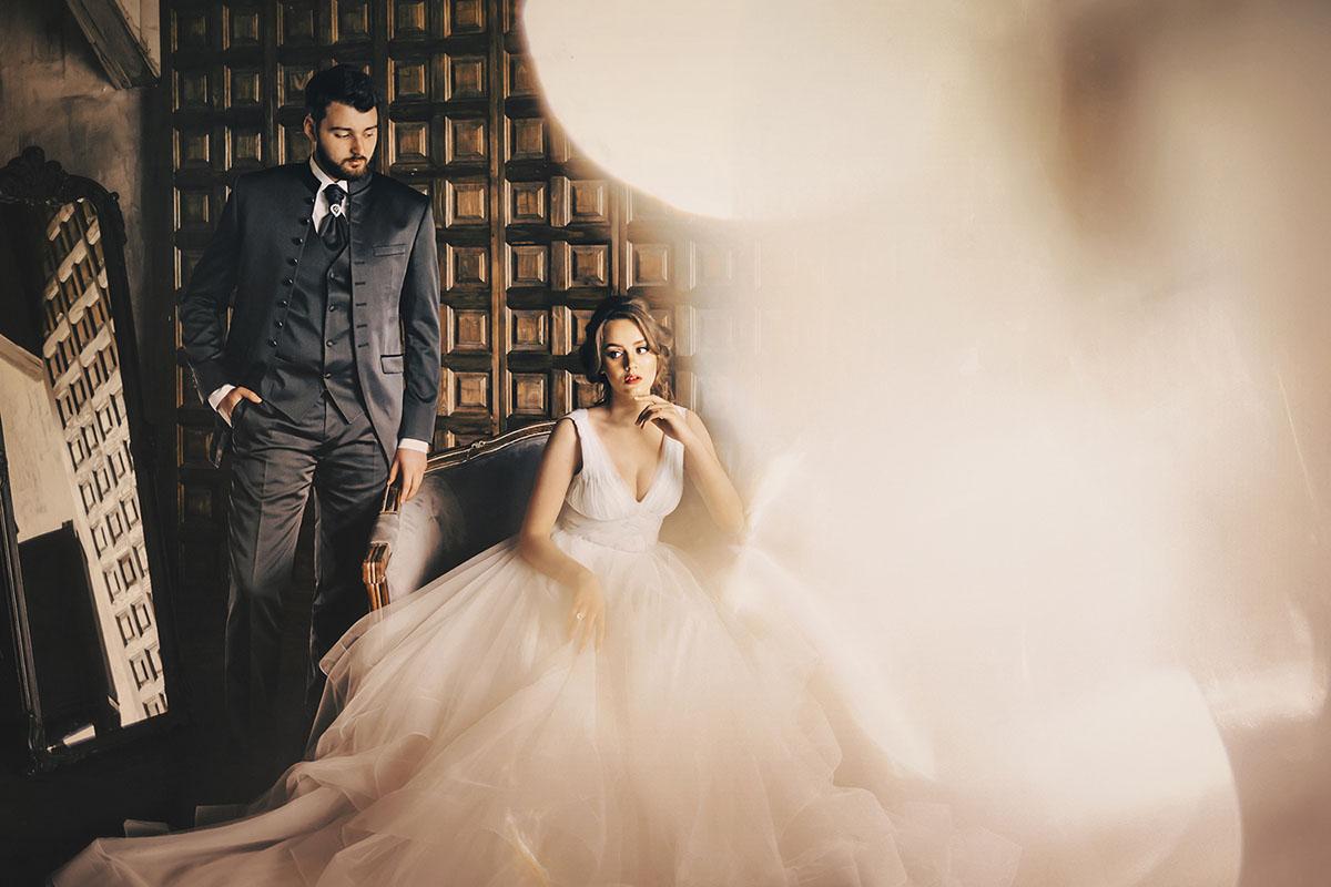 Свадебные позы молодожен фотосессия в студии