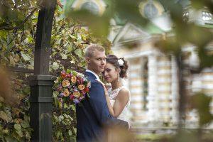 Фотография свадебная фотосессия в Москве в Кусково места для свадебной фотосессии красивые свадебные фотосессии осенью в сентябре