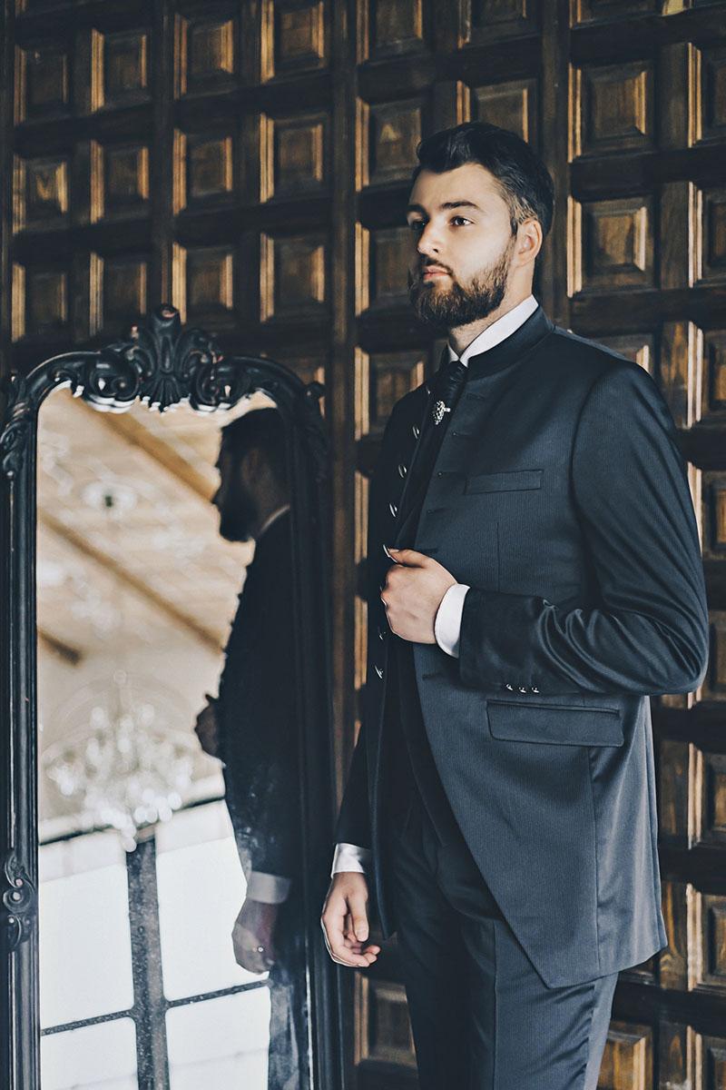 Свадебная фотосессия в студии The Museum Studio фотограф на свадьбу самые красивые стильные мужские фотосессии мужские позы портфолио портрет жениха
